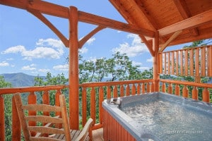 hot tub and mountain view smoky mountain cabin