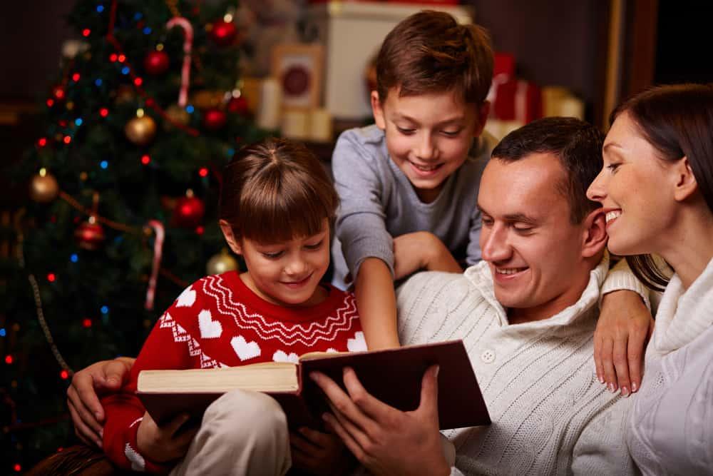 Christmas In The Smokies.4 Ways To Celebrate Christmas In The Smokies With Your Family